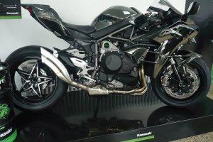 IXRACE 2 Rostfri-Endcap Kawasaki Ninja H2, 15-, Dualexit, racing